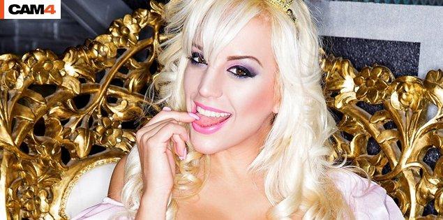 SUPER SHOW: La porno diva argentina Blondie Fesser su CAM4 con Lukas El Bala