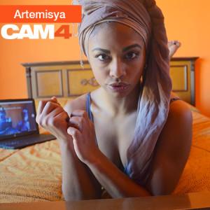 ebony_in_cam