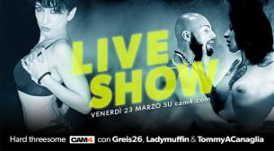 Greis Kelly, LadyMuffin e Tony A Canaglia in un threesome su CAM4 questo venerdì!