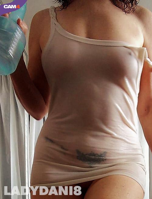 ladydani8 - camgirl maglietta bagnata