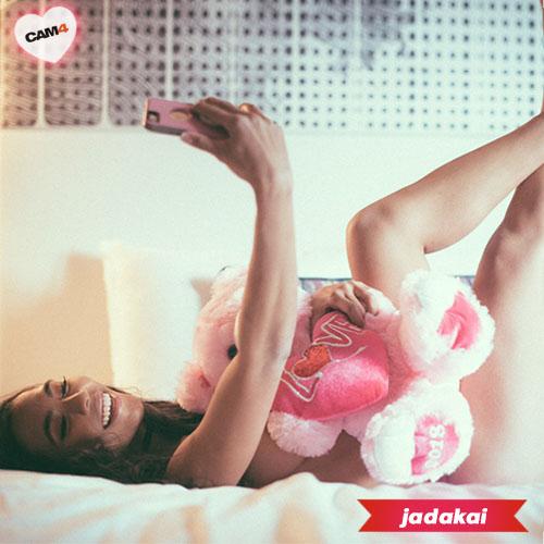 JadaKai-sexy-valentino
